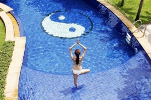 yin-yang-swimming-pool.jpg
