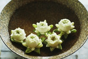ceramic-bowl-of-yin-water-with-flowers.jpg