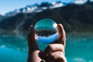 clear-quartz-crystal-ball.jpg